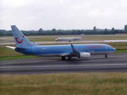 TRAVAIRさんが、デュッセルドルフ国際空港で撮影したハパック ロイド フルーク 737-8K5の航空フォト(飛行機 写真・画像)