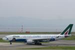 ぶちょさんが、関西国際空港で撮影したアリタリア航空 A330-202の航空フォト(飛行機 写真・画像)