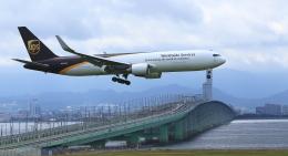 ふじいあきらさんが、関西国際空港で撮影したUPS航空 767-34AF/ERの航空フォト(飛行機 写真・画像)