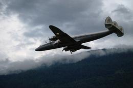 kanade/Ryo@S.O.R.A.さんが、シオン空港で撮影したスーパーコンステレーション飛行協会 C-121C Super Constellation (L-1049F)の航空フォト(飛行機 写真・画像)