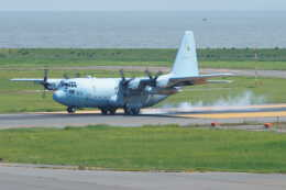 kij niigataさんが、新潟空港で撮影した航空自衛隊 C-130H Herculesの航空フォト(飛行機 写真・画像)