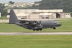 アイスコーヒーさんが、嘉手納飛行場で撮影したアメリカ空軍 MC-130H Herculesの航空フォト(飛行機 写真・画像)