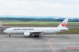 SNAKEさんが、新千歳空港で撮影した日本航空 777-246の航空フォト(飛行機 写真・画像)
