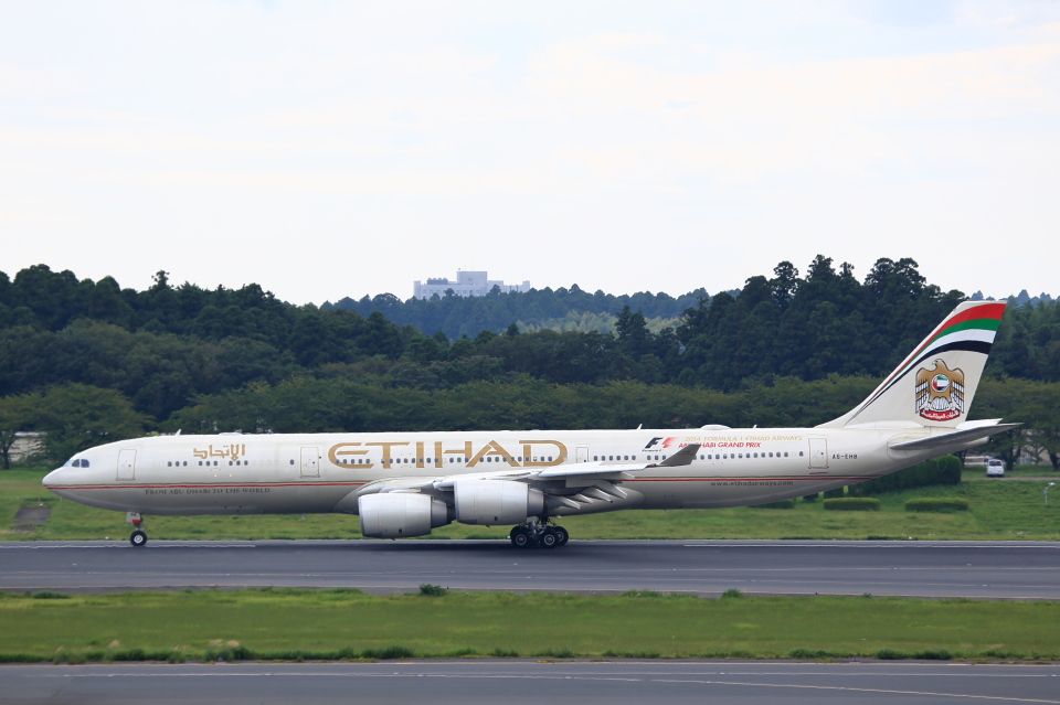 T.Sazenさんのエティハド航空 Airbus A340-500 (A6-EHB) 航空フォト