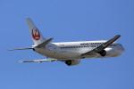 take_2014さんが、小松空港で撮影した日本航空 737-446の航空フォト(写真)