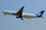 RUSSIANSKIさんが、アディスマルモ国際空港で撮影したガルーダ・インドネシア航空 A330-303の航空フォト(写真)