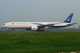 RUSSIANSKIさんが、クアラナム国際空港で撮影したガルーダ・インドネシア航空 777-3Q8/ERの航空フォト(飛行機 写真・画像)