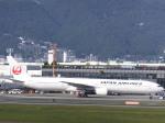 あしゅーさんが、伊丹空港で撮影した日本航空 777-346の航空フォト(飛行機 写真・画像)