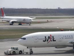 kn26nhさんが、新千歳空港で撮影した日本航空 777-246の航空フォト(飛行機 写真・画像)