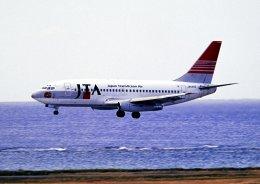 チャーリーマイクさんが、那覇空港で撮影した日本トランスオーシャン航空 737-2Q3/Advの航空フォト(飛行機 写真・画像)