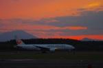 いおねくさんが、新千歳空港で撮影した日本航空 777-246の航空フォト(写真)