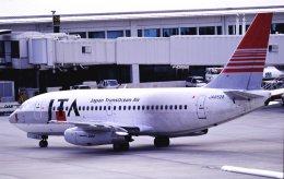チャーリーマイクさんが、那覇空港で撮影した日本トランスオーシャン航空 737-205/Advの航空フォト(飛行機 写真・画像)