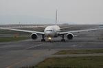 turt@かめちゃんさんが、関西国際空港で撮影した日本航空 777-346の航空フォト(写真)