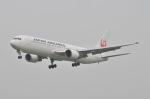 Oceanbuleさんが、福岡空港で撮影した日本航空 767-346の航空フォト(写真)