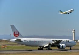 Cygnus00さんが、新千歳空港で撮影した日本航空 777-246の航空フォト(飛行機 写真・画像)