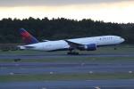ANA744Foreverさんが、成田国際空港で撮影したデルタ航空 777-232/LRの航空フォト(写真)