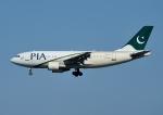 じーく。さんが、成田国際空港で撮影したパキスタン国際航空 A310-324/ETの航空フォト(飛行機 写真・画像)