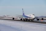 くるくもるさんが、新千歳空港で撮影した全日空 747-481(D)の航空フォト(写真)