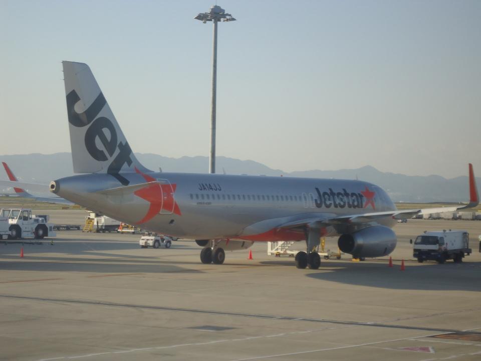 kenmariさんのジェットスター・ジャパン Airbus A320 (JA14JJ) 航空フォト