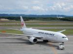 なま笹さんが、新千歳空港で撮影した日本航空 777-246の航空フォト(写真)