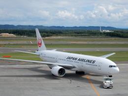 なま笹さんが、新千歳空港で撮影した日本航空 777-246の航空フォト(飛行機 写真・画像)