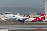 Y-Kenzoさんが、ロサンゼルス国際空港で撮影したカンタス航空 747-438の航空フォト(写真)