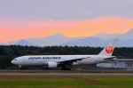 中村 昌寛さんが、新千歳空港で撮影した日本航空 777-246の航空フォト(写真)