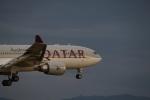 m-takagiさんが、関西国際空港で撮影したカタール航空 A330-202の航空フォト(飛行機 写真・画像)