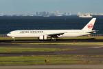 アイスコーヒーさんが、羽田空港で撮影した日本航空 777-346の航空フォト(写真)
