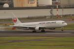 アイスコーヒーさんが、羽田空港で撮影した日本航空 767-346の航空フォト(飛行機 写真・画像)