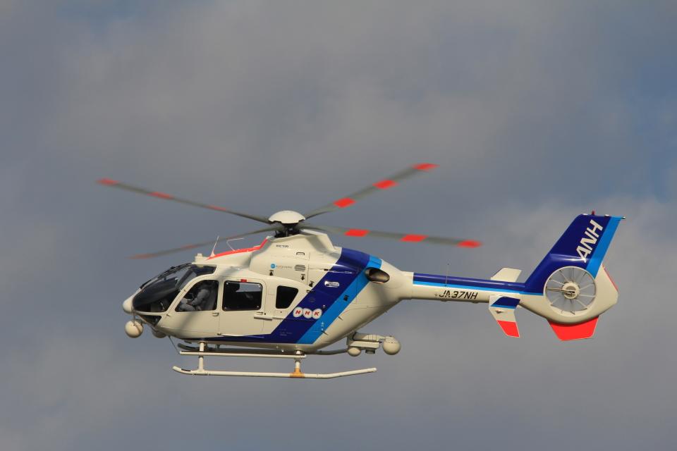 MIL26Tさんのオールニッポンヘリコプター Eurocopter EC135/635 (JA37NH) 航空フォト