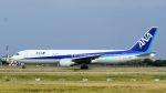 2wmさんが、台湾桃園国際空港で撮影した全日空 767-381/ERの航空フォト(写真)