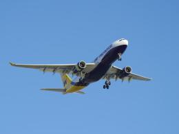 Dizzyさんが、ファロ空港で撮影したモナーク・エアラインズ A330-243の航空フォト(飛行機 写真・画像)