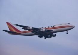 tsukatakuさんが、成田国際空港で撮影したカリッタ エア 747-209B(SF)の航空フォト(飛行機 写真・画像)