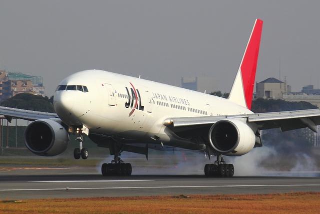エアポートひたちさんが、伊丹空港で撮影した日本航空 777-289の航空フォト(飛行機 写真・画像)