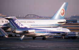 Love Airbus350さんが、羽田空港で撮影した全日空 727-281/Advの航空フォト(飛行機 写真・画像)
