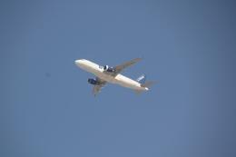 白銀RYUさんが、アブダビ国際空港で撮影したエア・ブルー A320-214の航空フォト(飛行機 写真・画像)