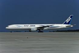 Gambardierさんが、広島空港で撮影した全日空 777-381の航空フォト(飛行機 写真・画像)