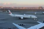 uhfxさんが、羽田空港で撮影した日本航空 777-346/ERの航空フォト(写真)