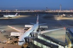uhfxさんが、羽田空港で撮影した日本航空 777-246/ERの航空フォト(写真)