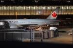 uhfxさんが、羽田空港で撮影したエア・カナダ 777-233/LRの航空フォト(写真)