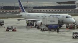 AE31Xさんが、パリ シャルル・ド・ゴール国際空港で撮影したレジォナル ERJ-190-100 LR (ERJ-190LR)の航空フォト(飛行機 写真・画像)