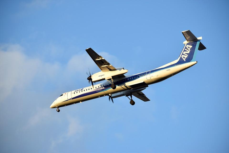 tsubasa0624さんのANAウイングス Bombardier DHC-8-400 (JA846A) 航空フォト