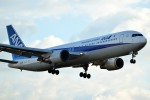tsubasa0624さんが、伊丹空港で撮影した全日空 767-381の航空フォト(飛行機 写真・画像)