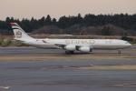 uhfxさんが、成田国際空港で撮影したエティハド航空 A340-541の航空フォト(飛行機 写真・画像)