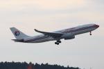 uhfxさんが、成田国際空港で撮影した中国東方航空 A330-243の航空フォト(飛行機 写真・画像)