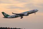 uhfxさんが、成田国際空港で撮影したエバー航空 A330-203の航空フォト(写真)