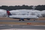 uhfxさんが、成田国際空港で撮影したデルタ航空 757-251の航空フォト(飛行機 写真・画像)