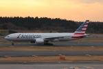uhfxさんが、成田国際空港で撮影したアメリカン航空 777-223/ERの航空フォト(飛行機 写真・画像)