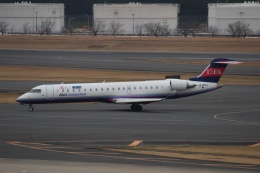 uhfxさんが、成田国際空港で撮影したアイベックスエアラインズ CL-600-2C10 Regional Jet CRJ-702ERの航空フォト(飛行機 写真・画像)